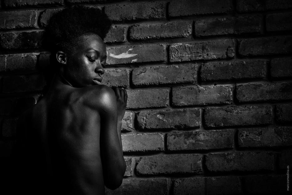 ANGEL / Black  Sesinou Henriette